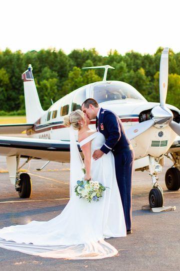 Williamsburg Airport couple