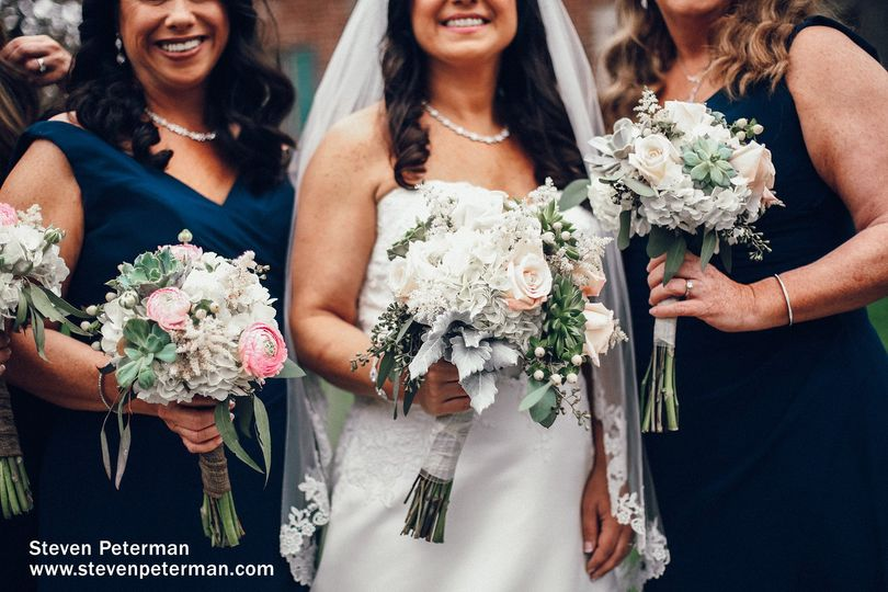 White tone wedding bouquets