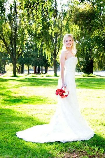 Brides 39 n maids dress attire santa rosa ca for Wedding dresses in santa rosa ca