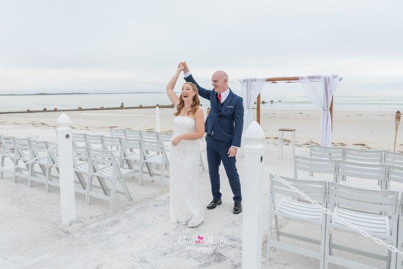 beach wedding 1 51 737471 v1
