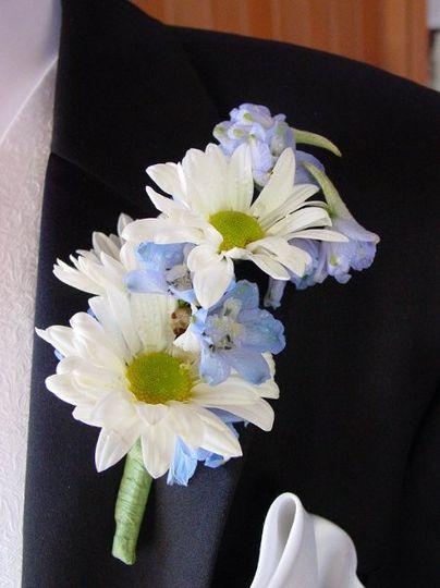 brilliant blooms flowers denver co weddingwire. Black Bedroom Furniture Sets. Home Design Ideas