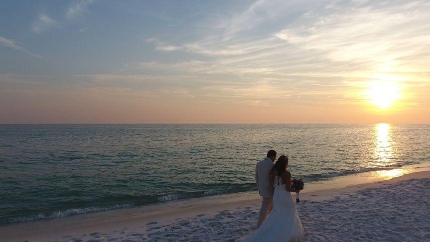 25320a43cbb3be01 WeddingWire Pic0