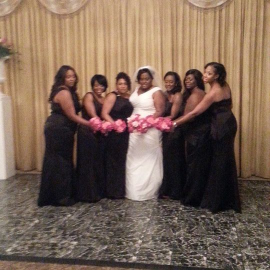 The bride and her briedsmaids