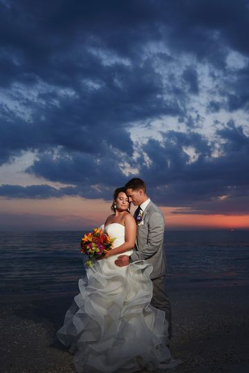 Couple photo by the sunset