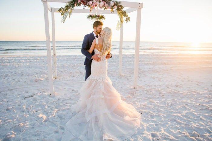 destin beach wedding 4679 700x467 51 1891571 1571211258