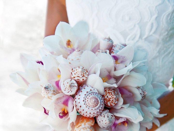 Tmx Tropical Wedding Bouquet Ideas Extravagant 2 56 Stunning Beach Bouquets 51 1891571 1571210752 Lahaina, HI wedding planner