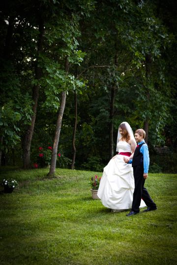 Romantic moon events reviews ratings wedding ceremony for Wedding dresses minot nd