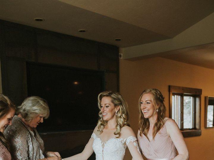 Tmx 1535403705 4d89dd84ade7f0e7 1535403702 64cb5b5d3d67d395 1535403697750 4 2130C5AB EB75 4C26 Boulder, Colorado wedding beauty