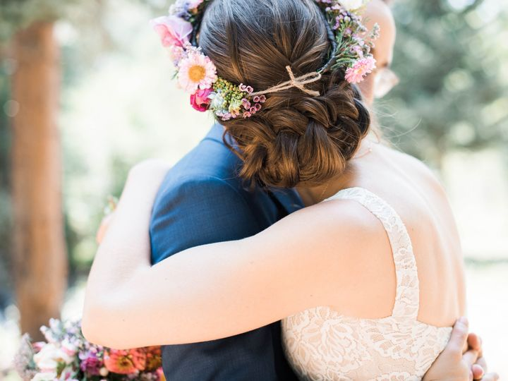 Tmx 1537393379 Ab17a686ec03a7b4 1537393377 0c119a664fe2f540 1537393375038 1 A S 123 Boulder, Colorado wedding beauty