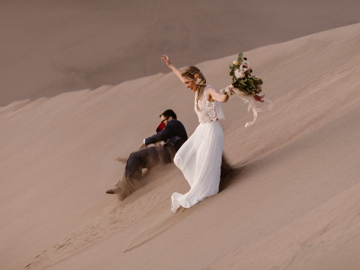 Tmx 1539067306 674203c93893f0ea 1539067301 88ee2135e961adf8 1539067298007 1 Kasia DanElopement Boulder, Colorado wedding beauty