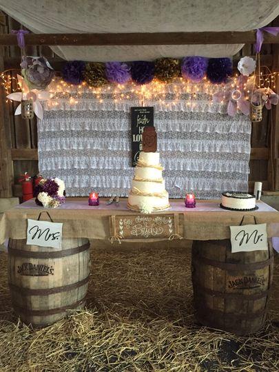 Barn wedding cake table