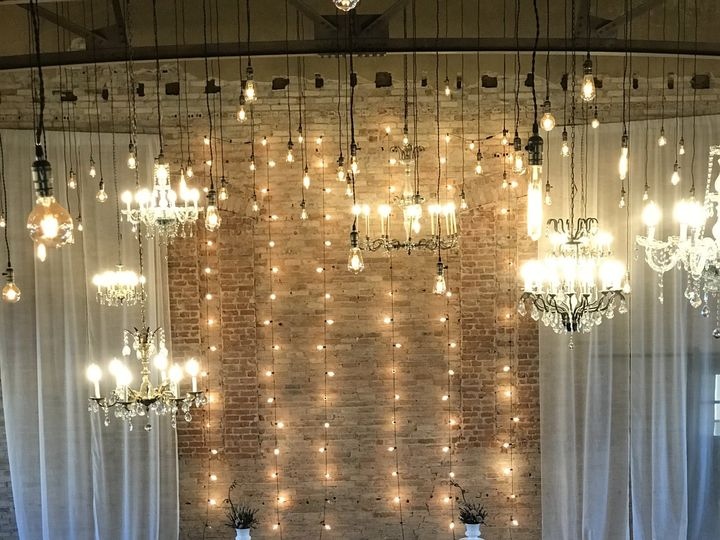 Tmx Img 5181 51 1907571 159460760040062 Mankato, MN wedding planner