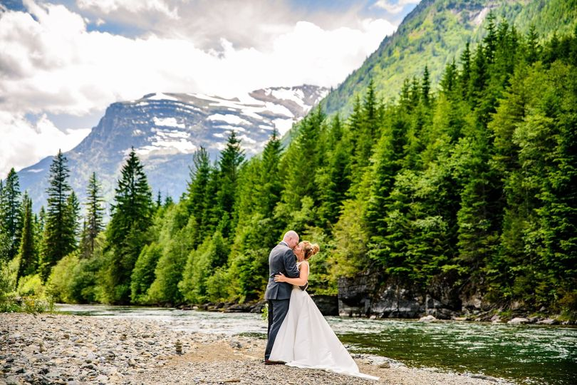 glacier national park montana microwedding www bigdaycelebrations com carrie ann photography00002 51 478571 159674456882275