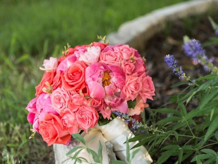 Tmx 1532008106 Db59f4832c6941e9 1532008105 3ae2251ad8f0c8e2 1532008105216 1 1 Dallas, Texas wedding florist