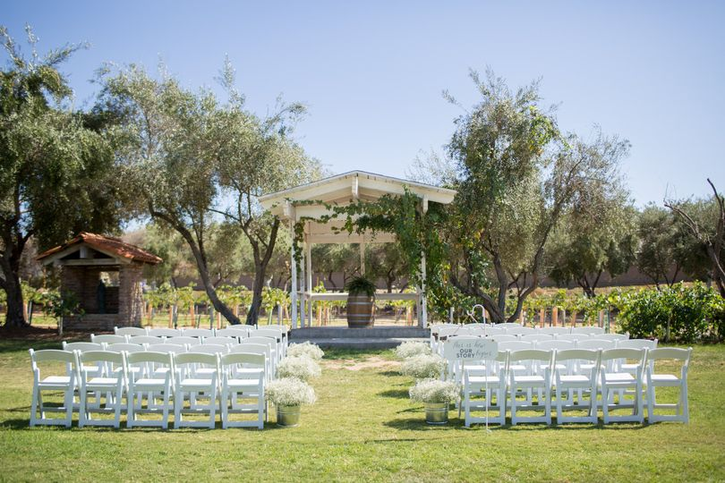 Ceremony outside at the vineyard