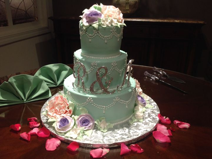 Tmx 1532391508 0c65e2e34e3597b2 1532391506 1ca63640cbf55f13 1532391503266 35 Rachel S Cake North Billerica, MA wedding planner