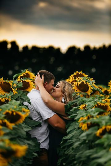 Engagement photos in flowers