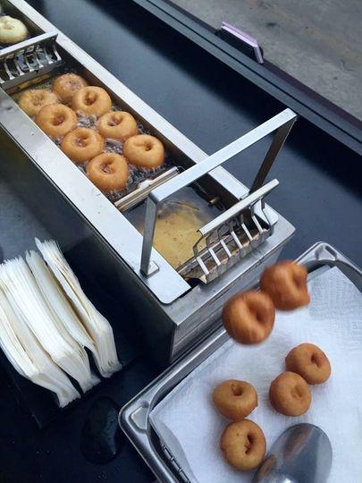 Famous Mini-Donut Robot