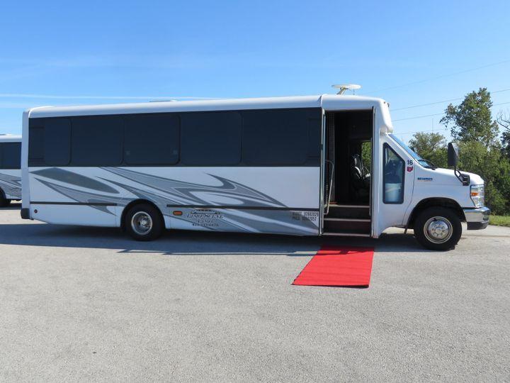 Tmx Limoscene1 51 1059671 159180354534832 Fremont, OH wedding transportation