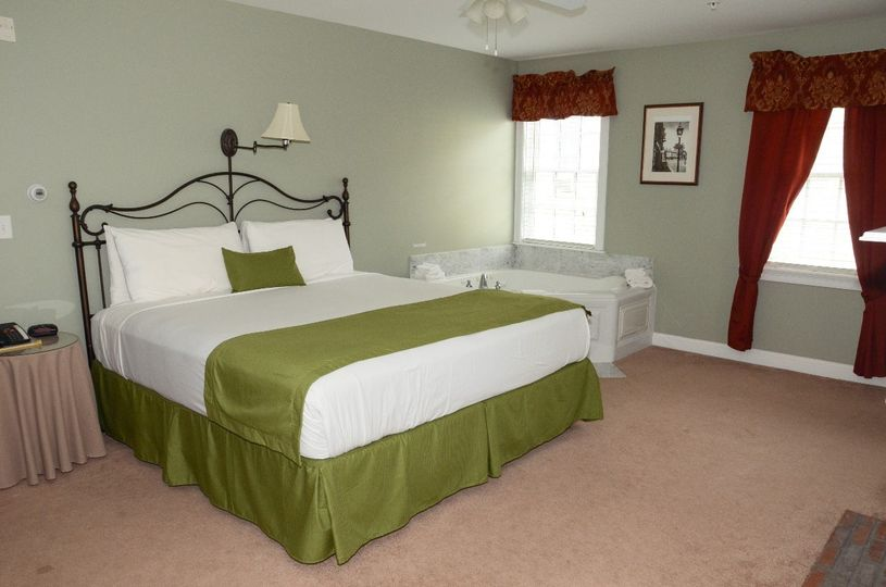 One room suite with king bed