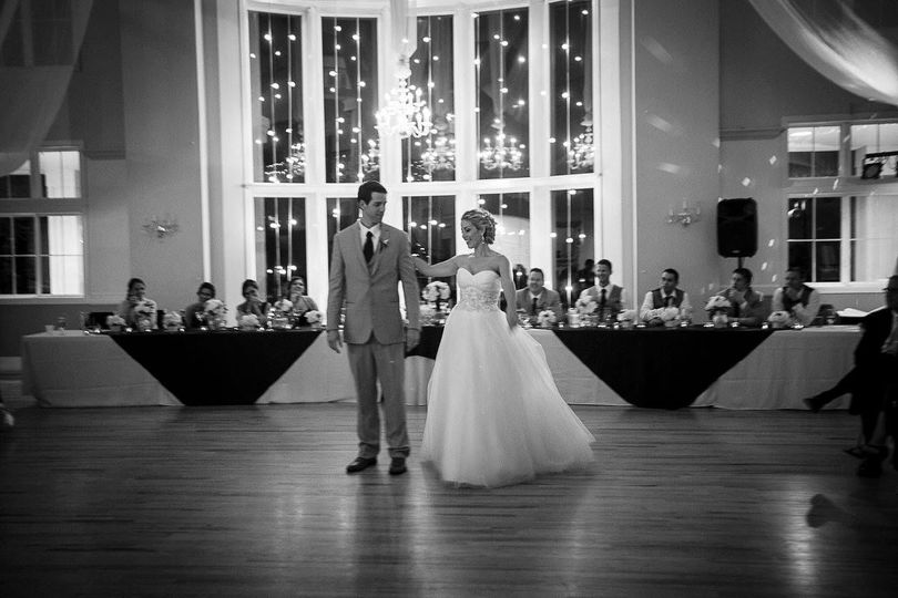 First dance - glam - timeless - the chateaux