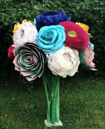 6.5ft Assorted Giant Bouquet
