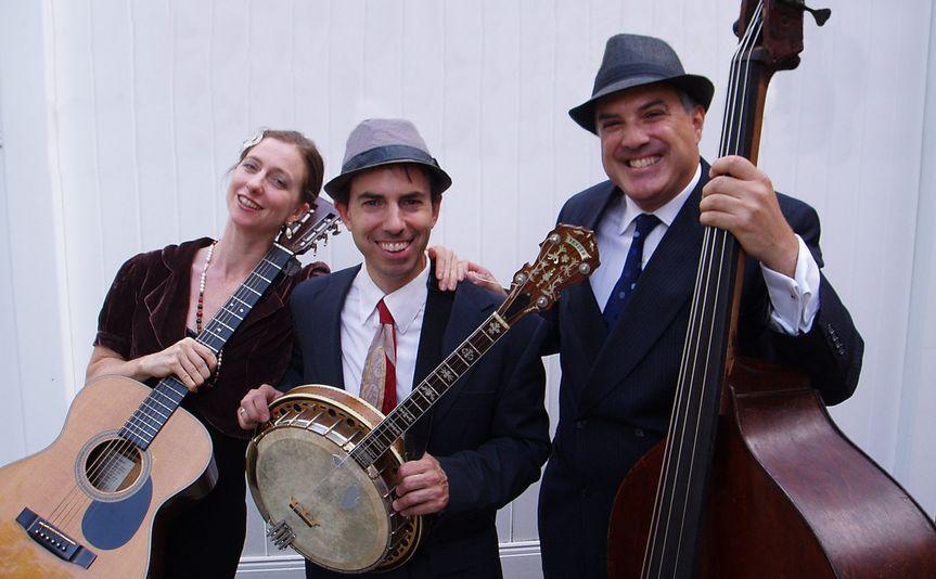 The Dan Martin Trio: guitar/bass/vocals