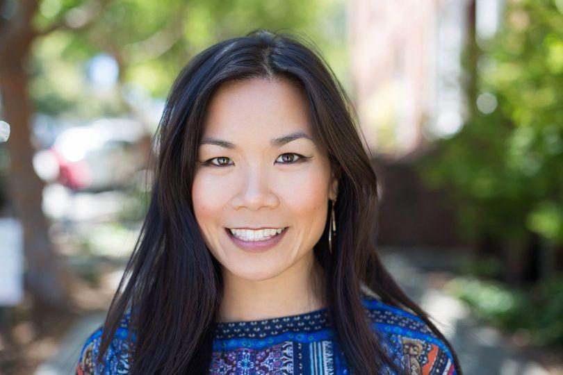 Tina Chang, Officiant