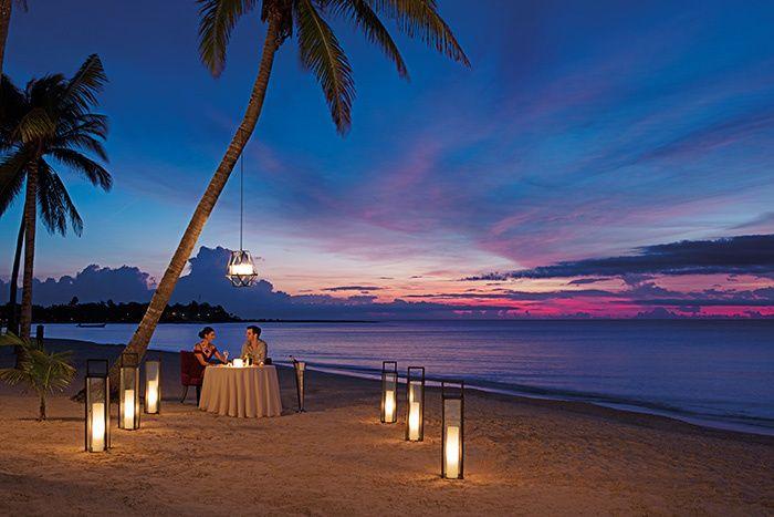 Secrets Candlelight Dinner