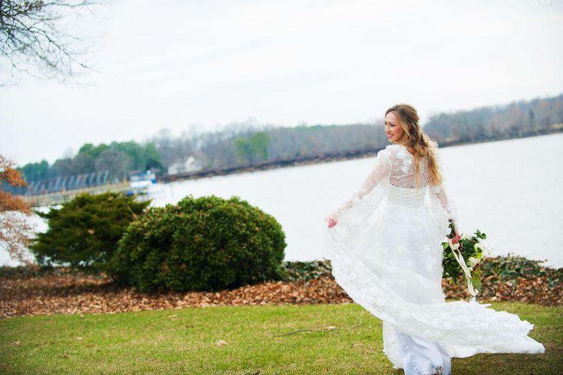 d16f72886b25e298 Watrefront Wedding