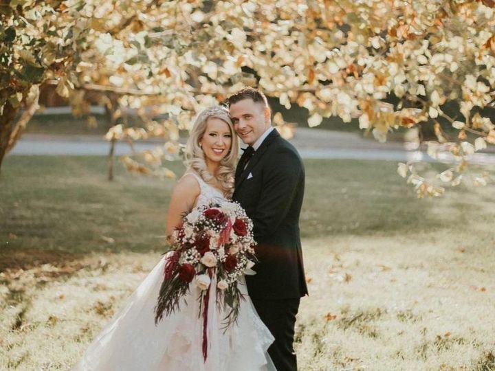 Tmx Claire And Zach With Bouquet 51 977771 161644050386804 Kansas City, MO wedding florist