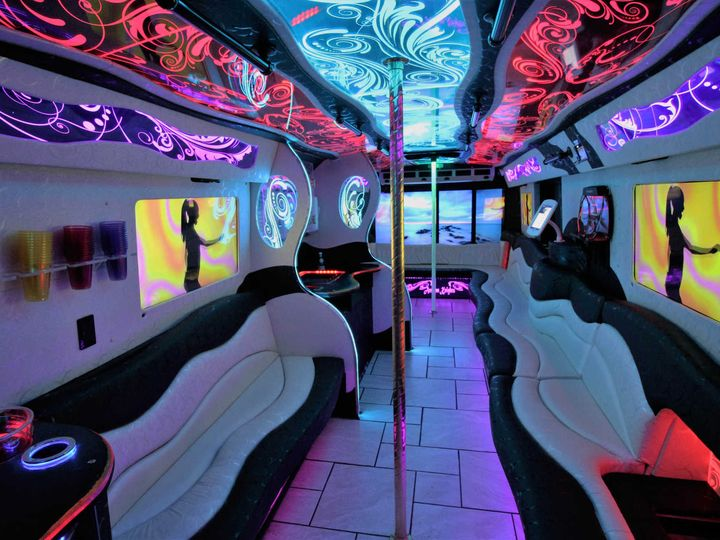 Tmx Golden Chariot Interior 1 51 1048771 Inglewood, CA wedding transportation