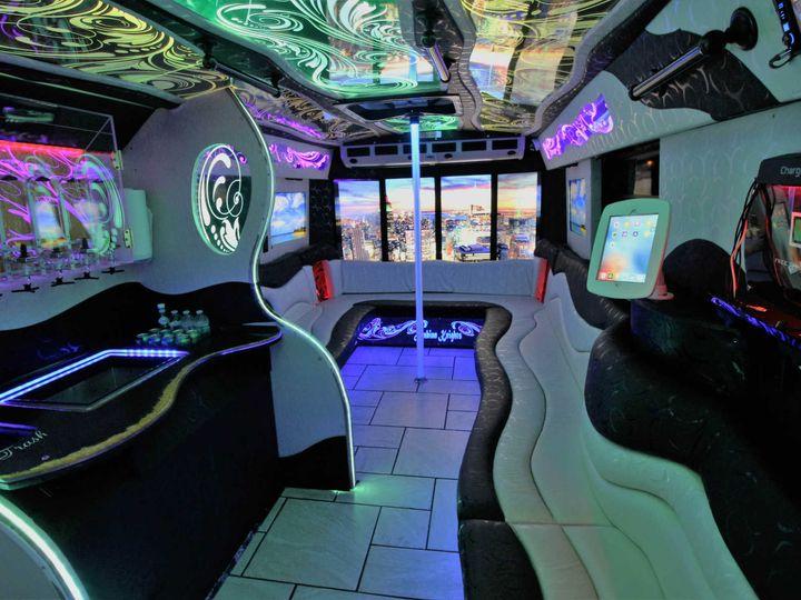Tmx Golden Chariot Interior 9 51 1048771 Inglewood, CA wedding transportation