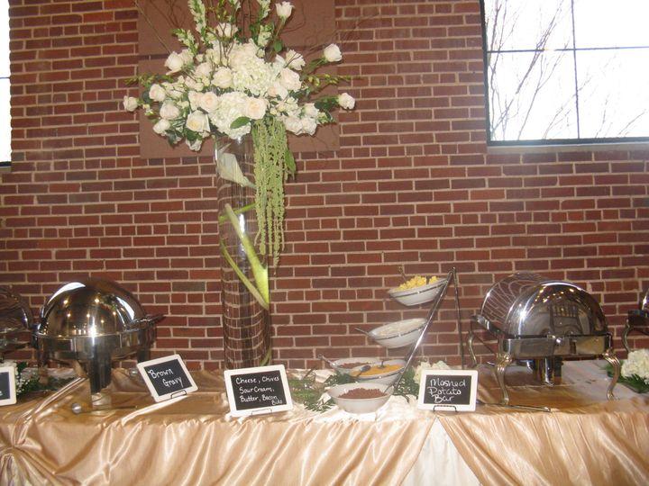 Flower decor for the buffet