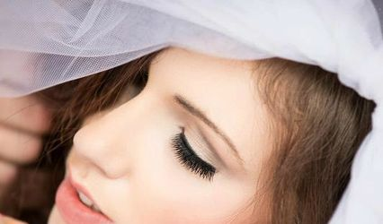 Gloss Makeup and Hair Artistry