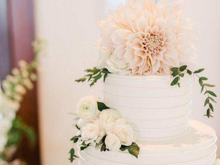 Tmx Img 0152 51 703871 161204381079395 Santa Barbara wedding cake