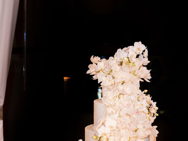 Tmx Img 1924 51 703871 161204379761507 Santa Barbara wedding cake