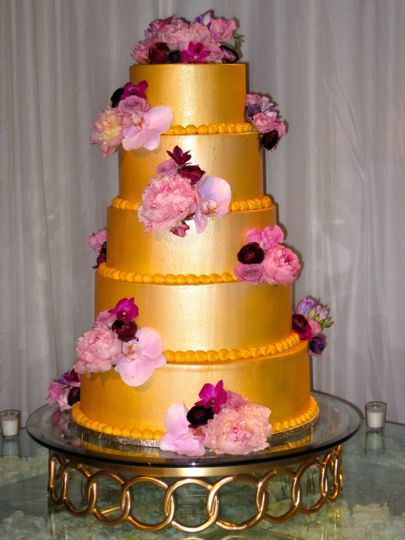 Gold themed cake