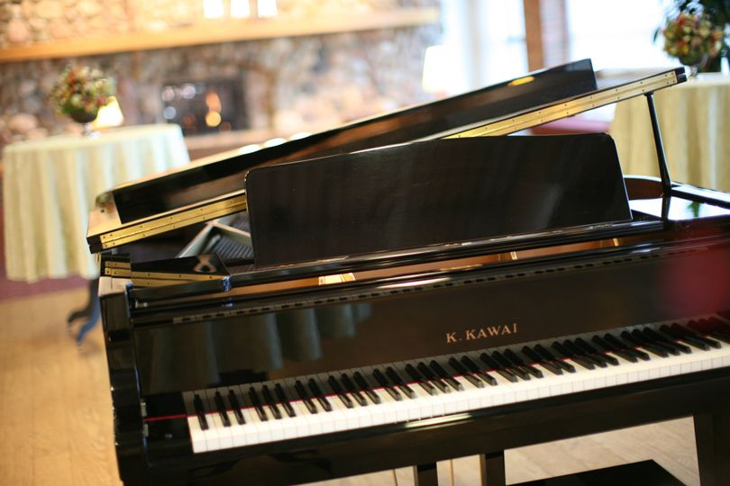 Complimentary Baby Grand | Prince Conference Center