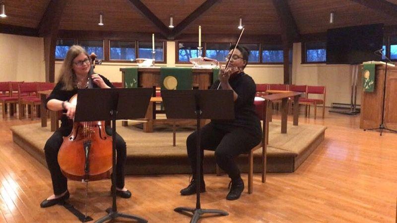 Loni Bach Cellist