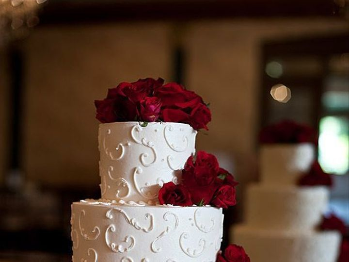 Tmx 1516803608 Ba50cfb61d99a45f 1516803607 Aca9f65806663b7c 1516803607584 5 209b1daaf79946b5e1 Columbus, OH wedding cake