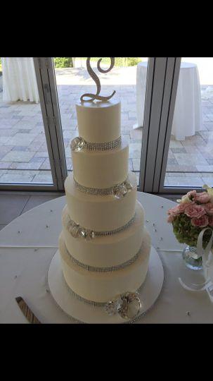 Buttercream cake with diamonds