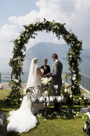 Luxury wedding in lake Garda