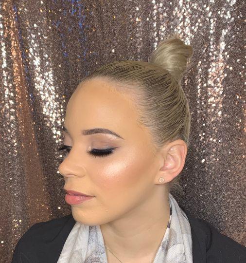 Very soft bridal makeup