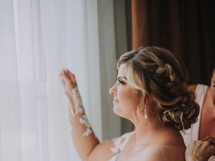 Tmx 44087367 1947446181945356 4211492635212251136 O 51 379971 Cary wedding dress