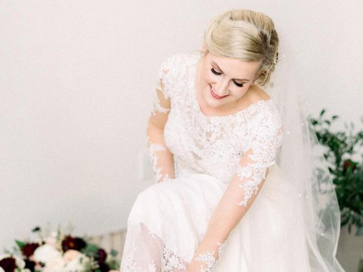 Tmx 44805211 1960557677300873 5135945845589409792 O 51 379971 Cary wedding dress