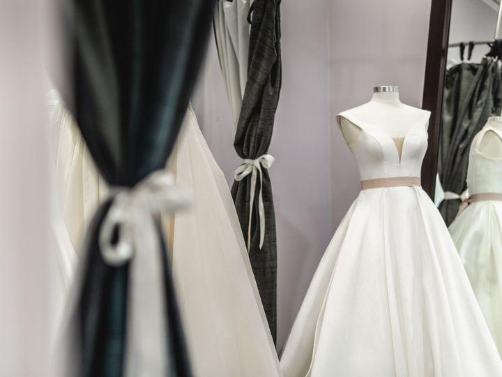 Tmx Lanaaddison Springintofashion2018 023 51 379971 Cary wedding dress