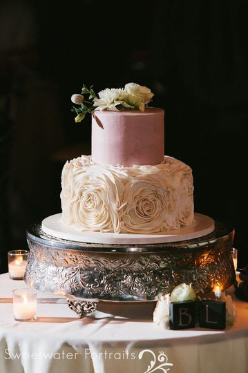 Bella 2-tier wedding cake