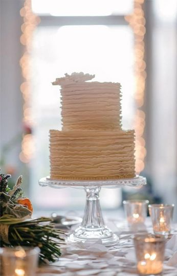 2-tier buttercream cake