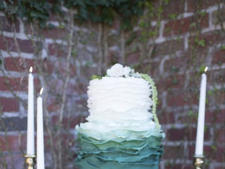 Tmx 1503317854325 Elizabethmoorephotographygardenweddinginspiration5 Millersville, Pennsylvania wedding cake